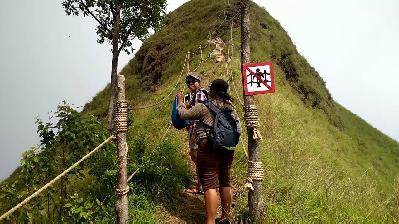 WISATA WATUNARIWOWO - Bukit Avatar Bajawa