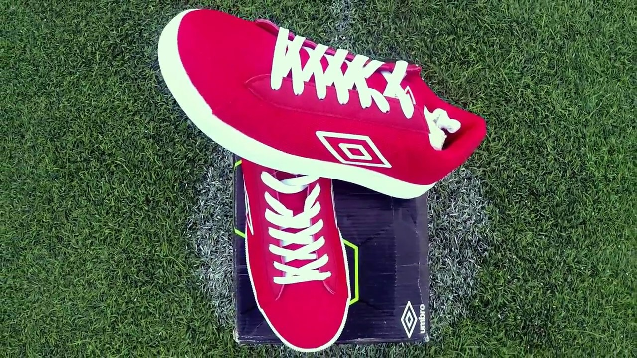 ARE YOU A STREET FOOTBALLER   get the best FREESTYLE shoes !! UMBRO PATATIMO c60098791