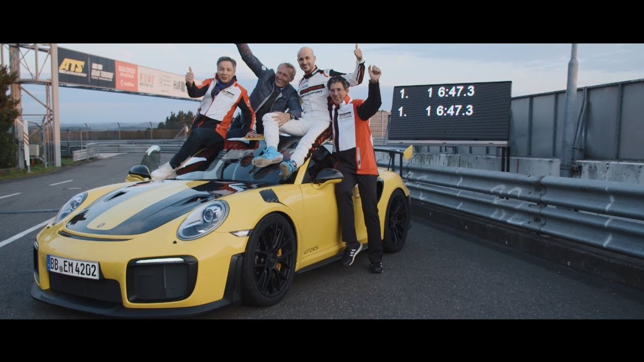 watch 2018 porsche 911 gt2 rs 39 n rburgring lap record. Black Bedroom Furniture Sets. Home Design Ideas