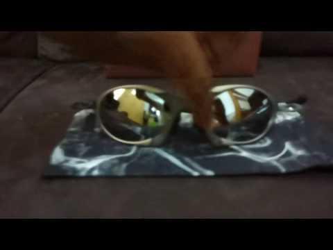 Oakley Romeo1 Tio2 Liquid Metal - YouTube ee079071a9