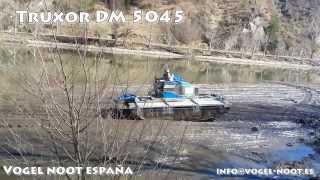 TRUXOR DM 5045(Máquina anfibia entregada en el pirineo Leridano para trabajos en pantanos, rios, parques naturales, etc., 2014-03-16T14:51:40.000Z)