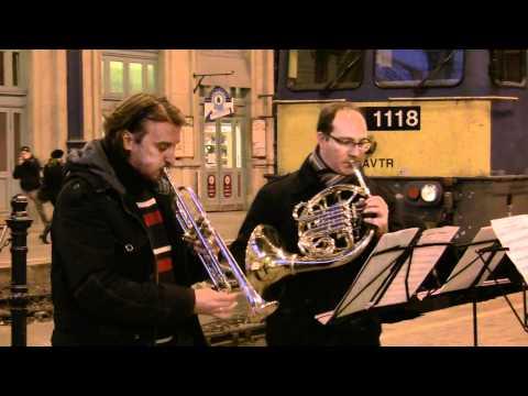 1220 MÁV Szimfonikusok rézfúvós együttese koncertje Bp Nyugati pu-n