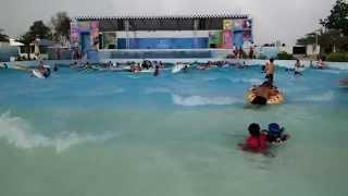 Аквапарк Амазон в Паттайе  атракцион искусственная волна  Cartoon Network Amazone in Thailand