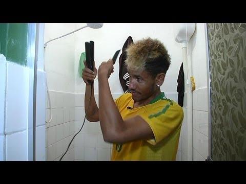 Brésil: à la rencontre de Tiago, le sosie de Neymar - 02/07