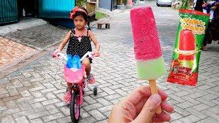 Hana Naik Sepeda Beli Es Krim Semangka #Anak Lucu Nyobain Es Krim Jepang Glico Rasa Watermelon
