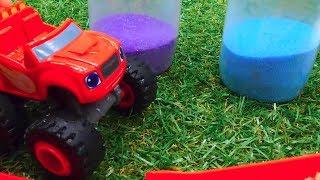 Чудо машинка Вспыш готовится к прыжку!  - Видео с игрушками.