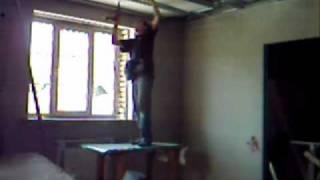 Крепление гипсокартона на потолок в одиночку.(Как прикрепить лист гипсокартона на потолок в одиночку., 2010-08-12T17:43:34.000Z)
