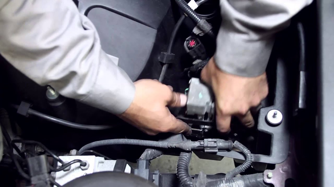 hight resolution of replacing the air suspension compressor in a lincoln town car with arnott pump youtube