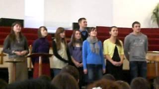 Tinerii din Nisporeni la Isus Salvatorul
