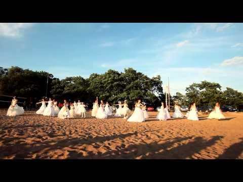 Видео: Не сбежавшие невесты Выборг - Лучший танцевальный флешмоб ФМ2013