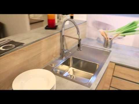 Reddy Küchen in Nürtingen - YouTube