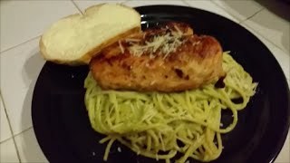 Green Spaghetti And Chicken