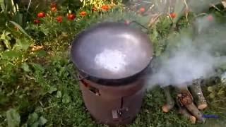 Обжиг сковородки для костра, пикника. Готовим картофель.(, 2016-07-26T06:26:09.000Z)