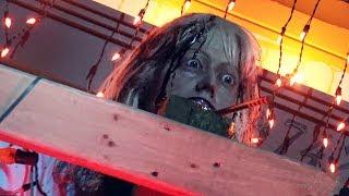 Trick 'r Treat Scare Zone - Universal Studios Orlando Halloween Horror Nights - HHN27 2017