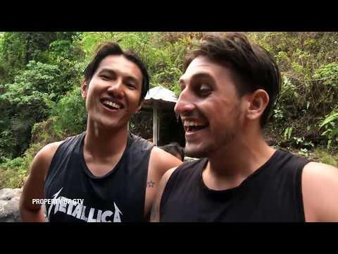 Wisata Bali, Ikut Perang Tipat Sampai Lompat Di Air Terjun 10 Meter | Travel Addict (31/12)