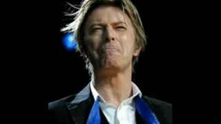 David Bowie- Space Oddity (live in Dennmark, 2002)