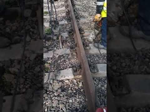 Выправка железнодорожного пути с помощью электрошпалоподбоек. Часть 1