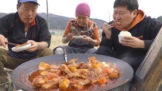 닭다리로 만든 [[닭볶음탕(Braised Spicy Chicken)]] 요리&먹방!! - Mukbang eating show