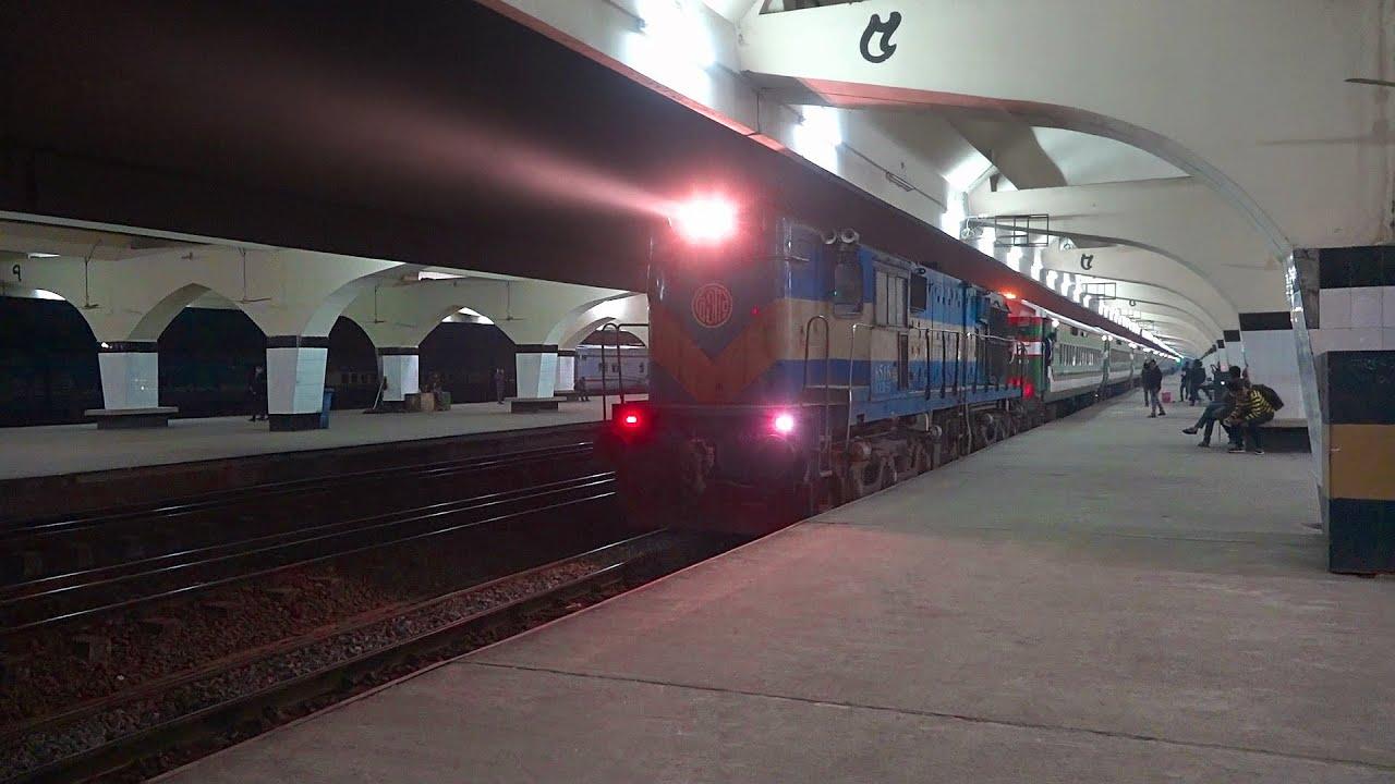Panchagarh bound Night Blast Drutojan Express Train (দ্রুতযান এক্সপ্রেস) || PT INKA Rake+WDM-3A Alco