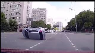 Bizzare and unexplainable: 8 car accidents that were recorded by (CCTV)