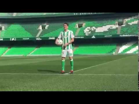 Presentación de Marc Bartra como nuevo jugador del Real Betis Balompié.