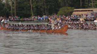 Racing of snake boats, Nehru Trophy Boat Race