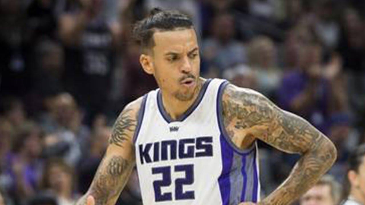 Matt Barnes Trolled By Knicks Fans With Derek Fisher Chant Youtube