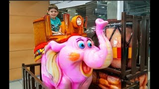 Kids Ride on the Giant Elephant Having Fun ! Nursery Rhymes