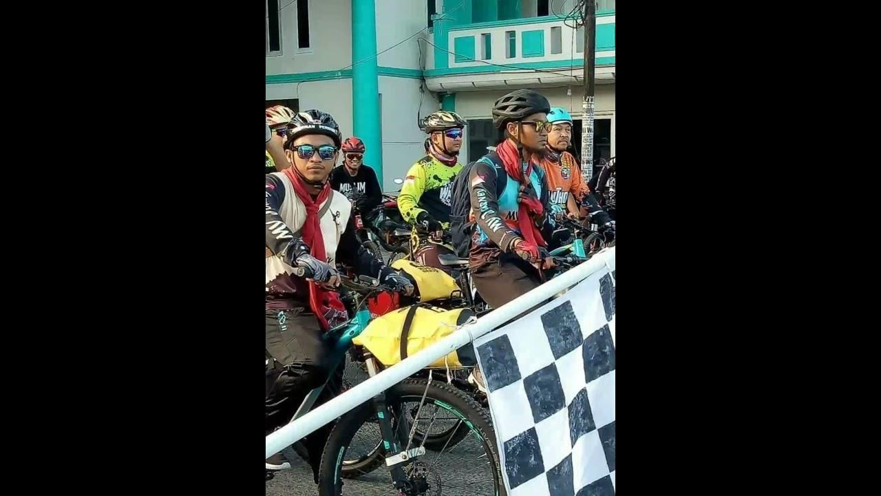 2 Pemuda Gorontalo Bersepeda ke Mekkah.. melewati 7 Negara