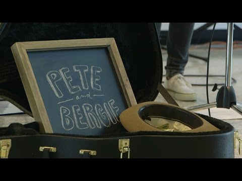Pete & Bergie - Should Have Stayed (Music Hop Performance)