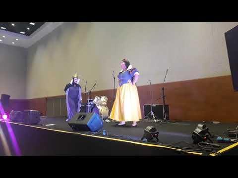 Branca de Neve e Rainha Má - apresentação cosplay