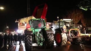 Tientallen Boeren protesteerden voor politiebureau in Zuidhorn
