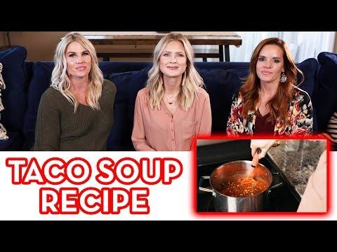 DELICIOUS & SIMPLE Taco Soup Recipe!