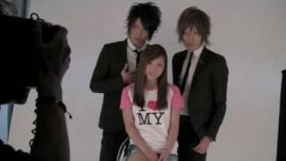 表紙を飾ってくれたのは人気グラビアアイドル・辰巳 奈都子さん。 そし...