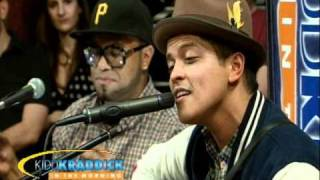 Bruno Mars - Nothin' On You Remix Live