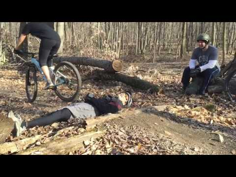 Secret Trail - Mountain Bike jumping