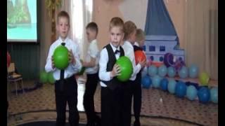 """""""Танец мальчиков  с мячами"""". Д/С № 42 """"Пингвинчик"""", г. Верхняя Салда."""