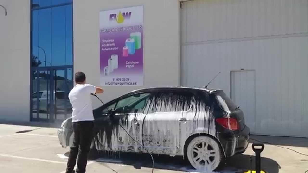 5fda61b0ede7 Nueva espuma para limpieza de coches sin esfuerzo - YouTube