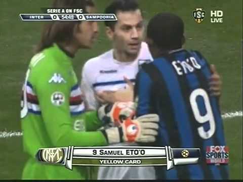 Mourinho ROFLs after Eto'o gets a yellow card.flv