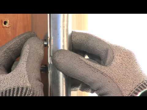 Pose d 39 une porte de garage wayne dalton en kit 2 sur mesure youtube - Porte de garage sectionnelle wayne dalton prix ...