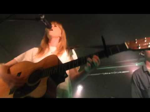 Lucy Rose - Like An Arrow (HD) - Courtyard Theatre, London - 09.06.15