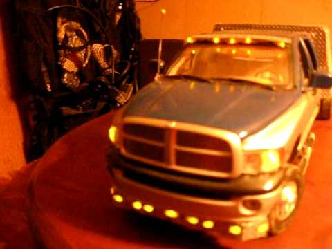 Dodge Ram 3500 Dually >> 1/18 Dodge 3500 dually with custom hauler bed and working marker lights FORSALE - YouTube