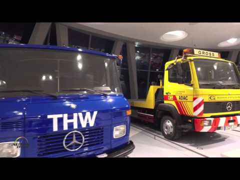 Mercedes-Benz Museum, Stuttgart - Gallery of Helpers