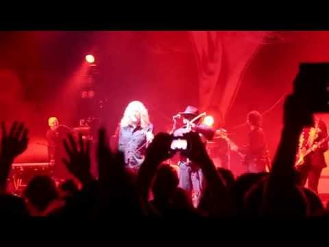 Robert Plant alive in Los Angeles