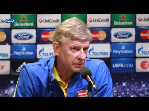 PK von Arsenal mit Arsène Wenger und Olivier Giroud