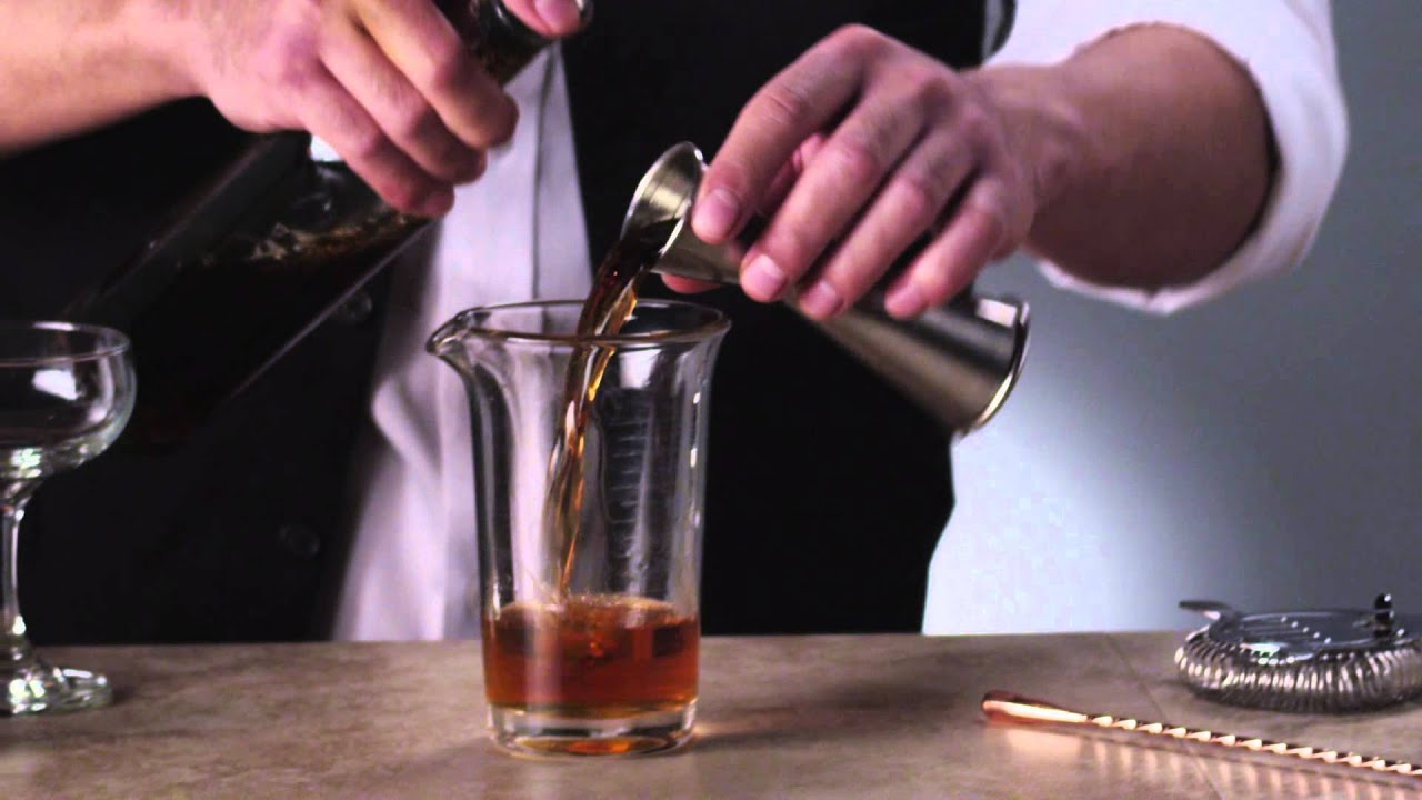 How to Craft a Manhattan