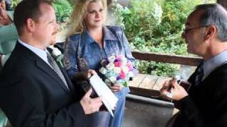 Dawn & Allen's Central Park Wedding with Rabbi Steve on Ukulele