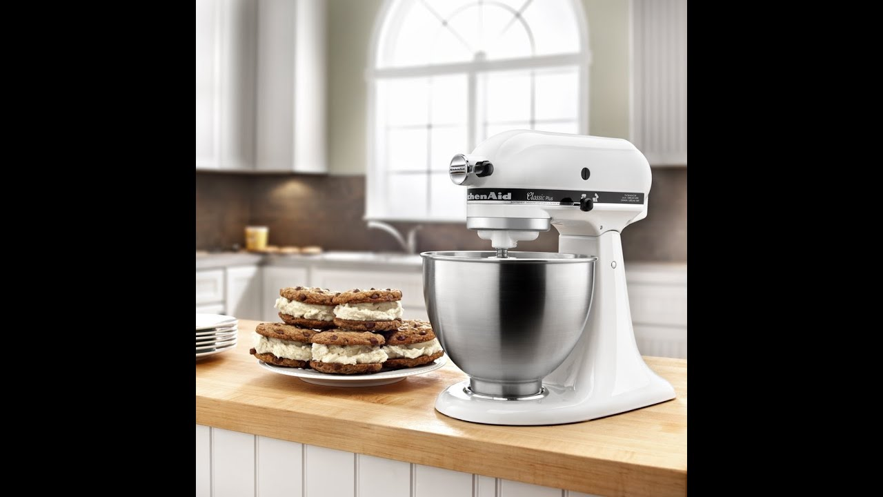 Review: KitchenAid KSM75WH 4.5-Qt. Classic Plus Stand Mixer - White - YouTube