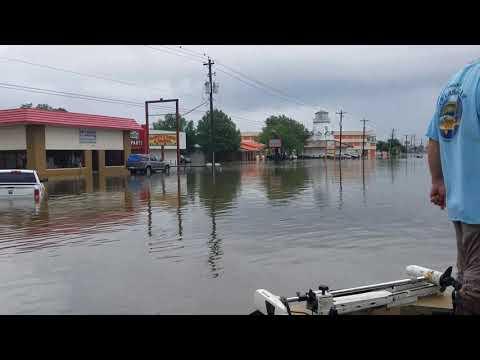 Hurricane Harvey flooding on FM528 in Friendswood Texas