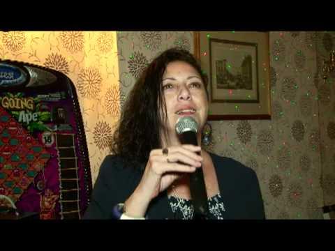 Hut Karaoke 1